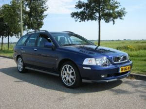 Volvo V40 20 T Sports Edition (2003)  AutoWeeknl