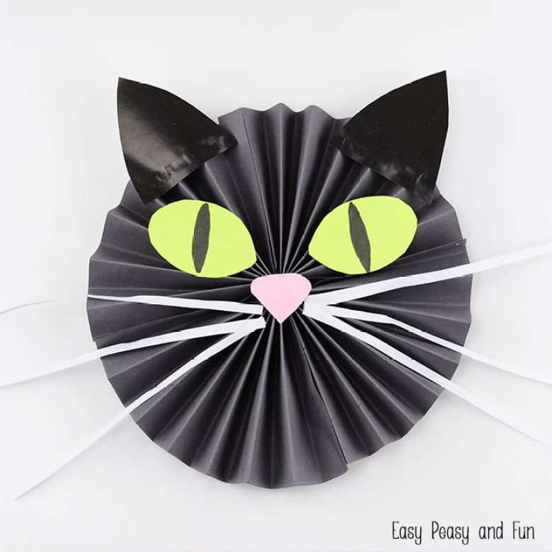 pyssel, pysseltips, pyssla, papper, papperspyssel, pyssla med papper, katt, häxkatt, Halloween pyssel, Halloween, katt i papper, papperskatt