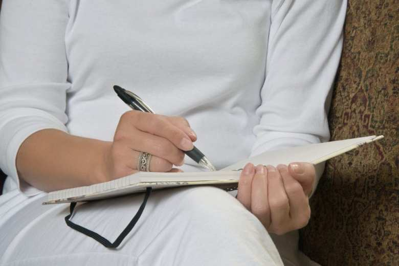 skriva dagbok, dagbok, tacksamhetsdagbok, dagböcker, dagboksskrivande, hälsa, skriva, skrivande, må bra, bra hälsa, bättre hälsa, psykologi