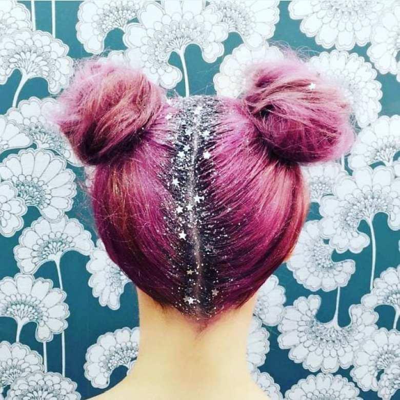 mode, skönhet, julpyssel, jul, julen, julfrisyr, frisyr, frisyrer, julfin, fin i håret, fixa håret, inspiration, hårinspiration, pyssel, kreativitet, snygga frisyrer, styla håret, bulle, knut, sidbulle, sidknut, hårbulle, hårknut, glitter, glitterspray, glittersprej, sprej, spray