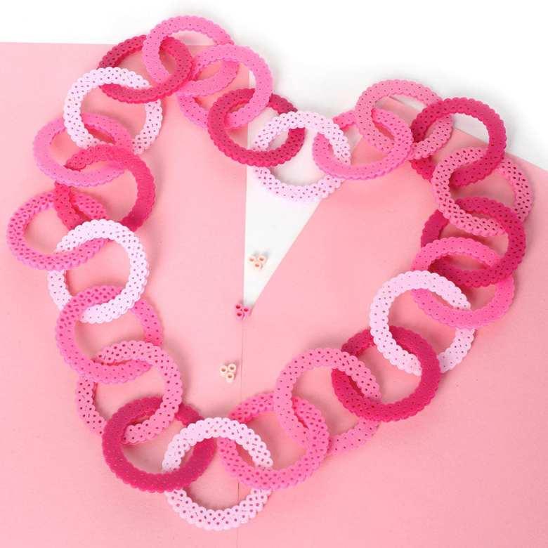 pyssel, pyssla, pysseltips, pysselidé, skapa, smycken, göra smycken, pärla, pärlor, rörpärlor, HAMA, pärlplatta, pärlplattor, mönster, pärlplattemönster, halsband, rosa bandet, cancer, bröstcancer
