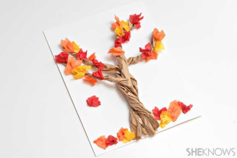 höstpyssel, pyssel, pysseltips, pyssla, barnpyssel, pyssel för barn, äpple, papper, papperspyssel, höstträd, papper, träd