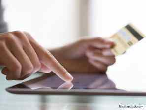 people credit card shopping online