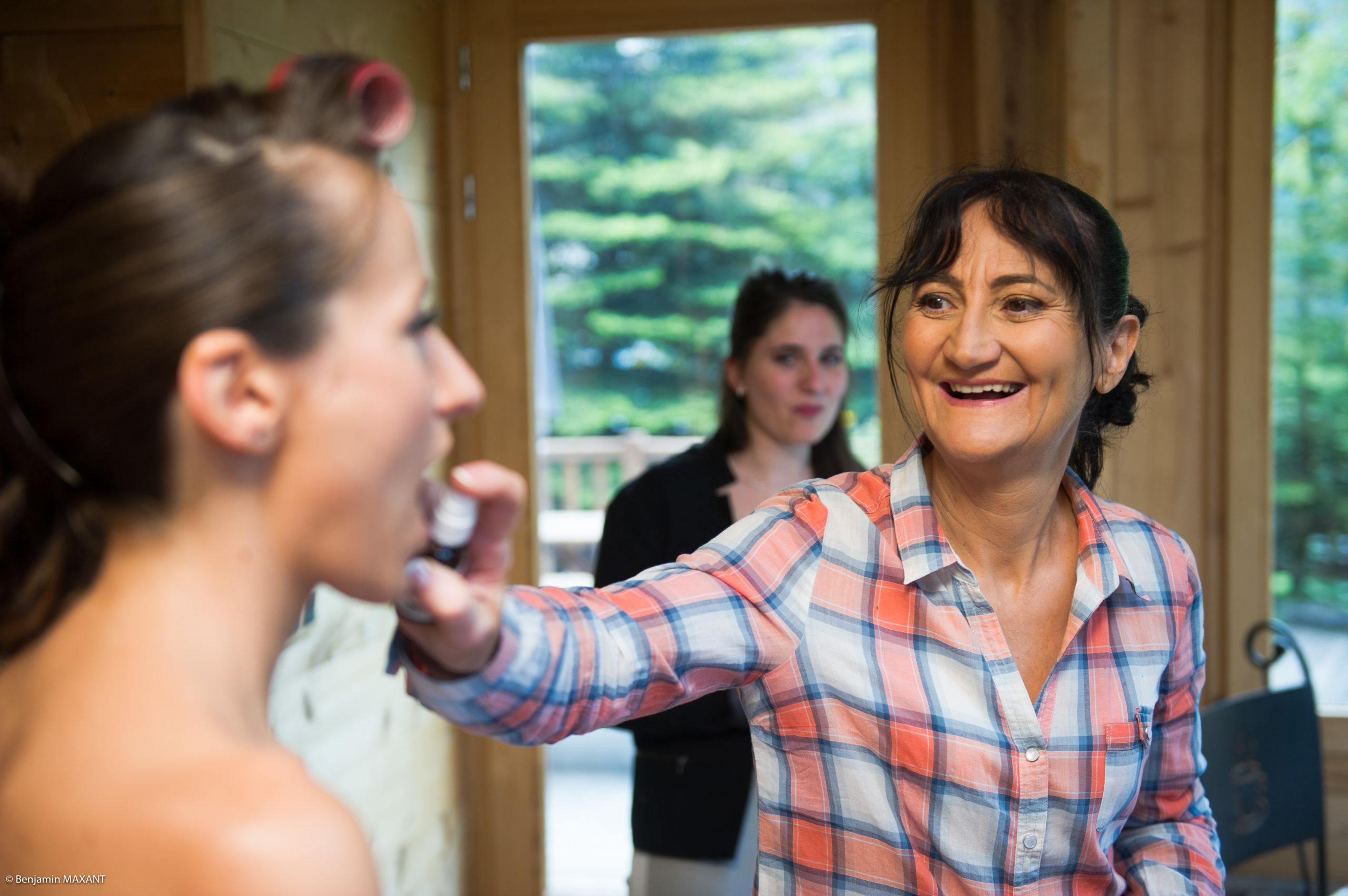 Préparation de Pauline la mariée - le maquillage
