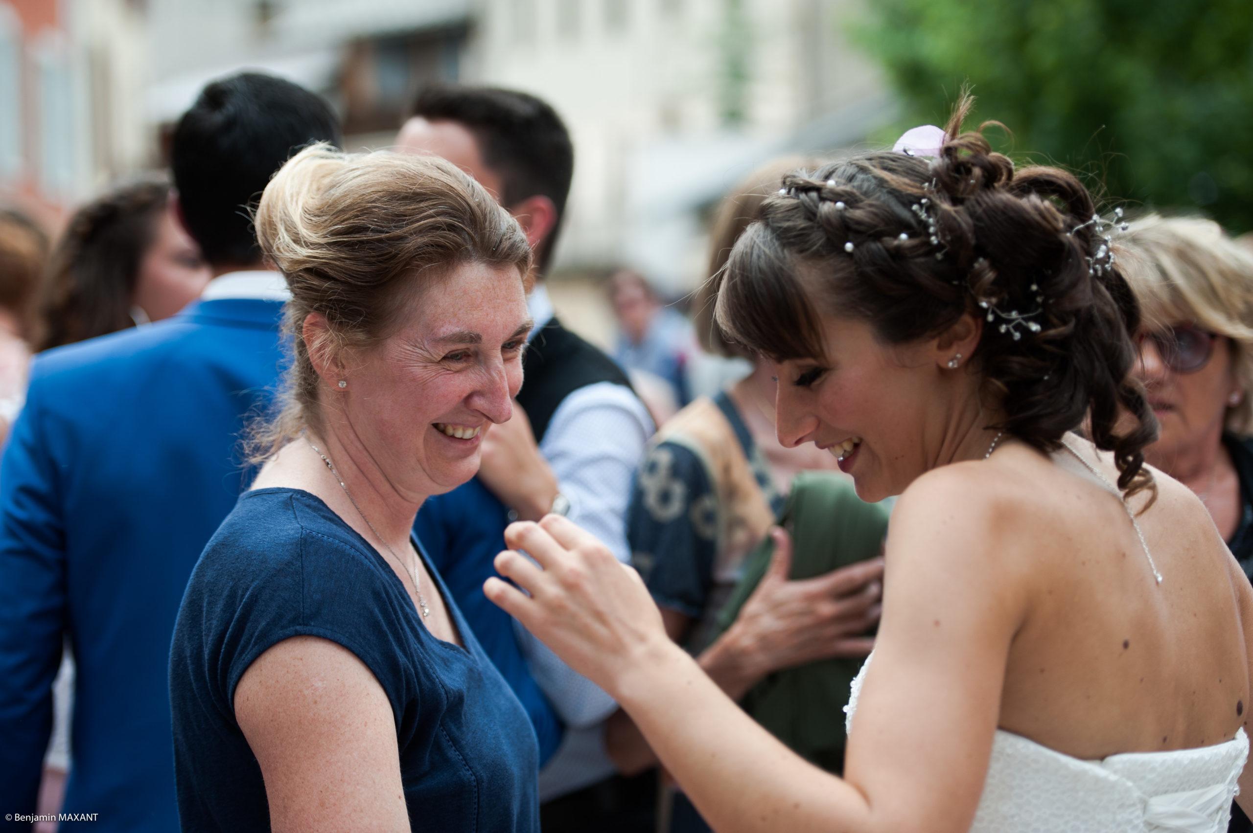 Rires lors du mariage de Pauline et Romain