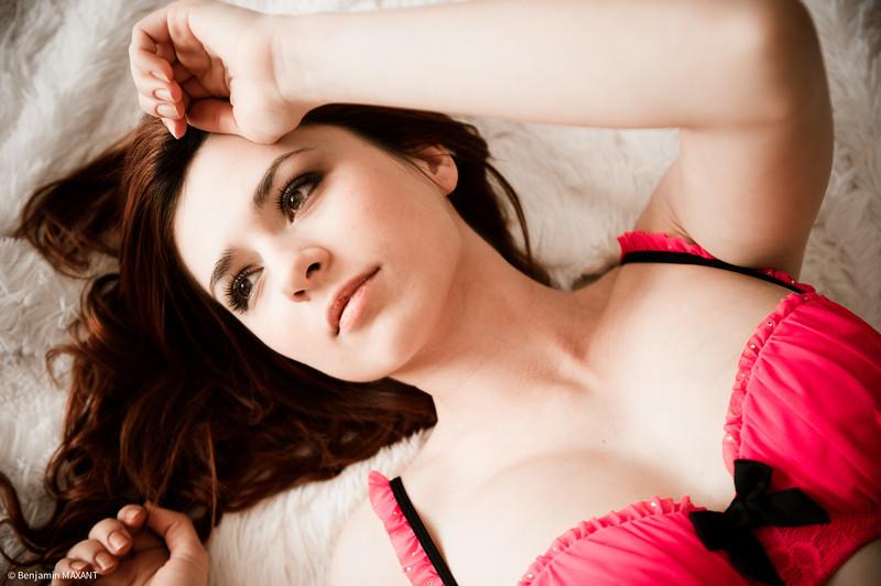 Séance photo boudoir modèle avec ensemble lingerie
