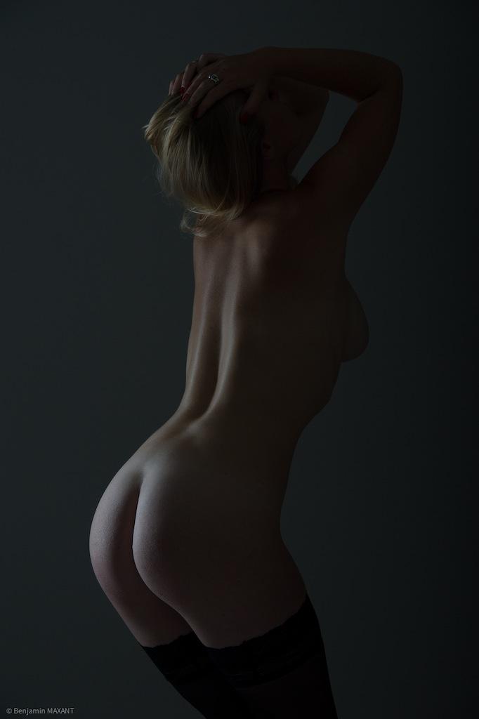 Séance photo nu académique modèle de dos