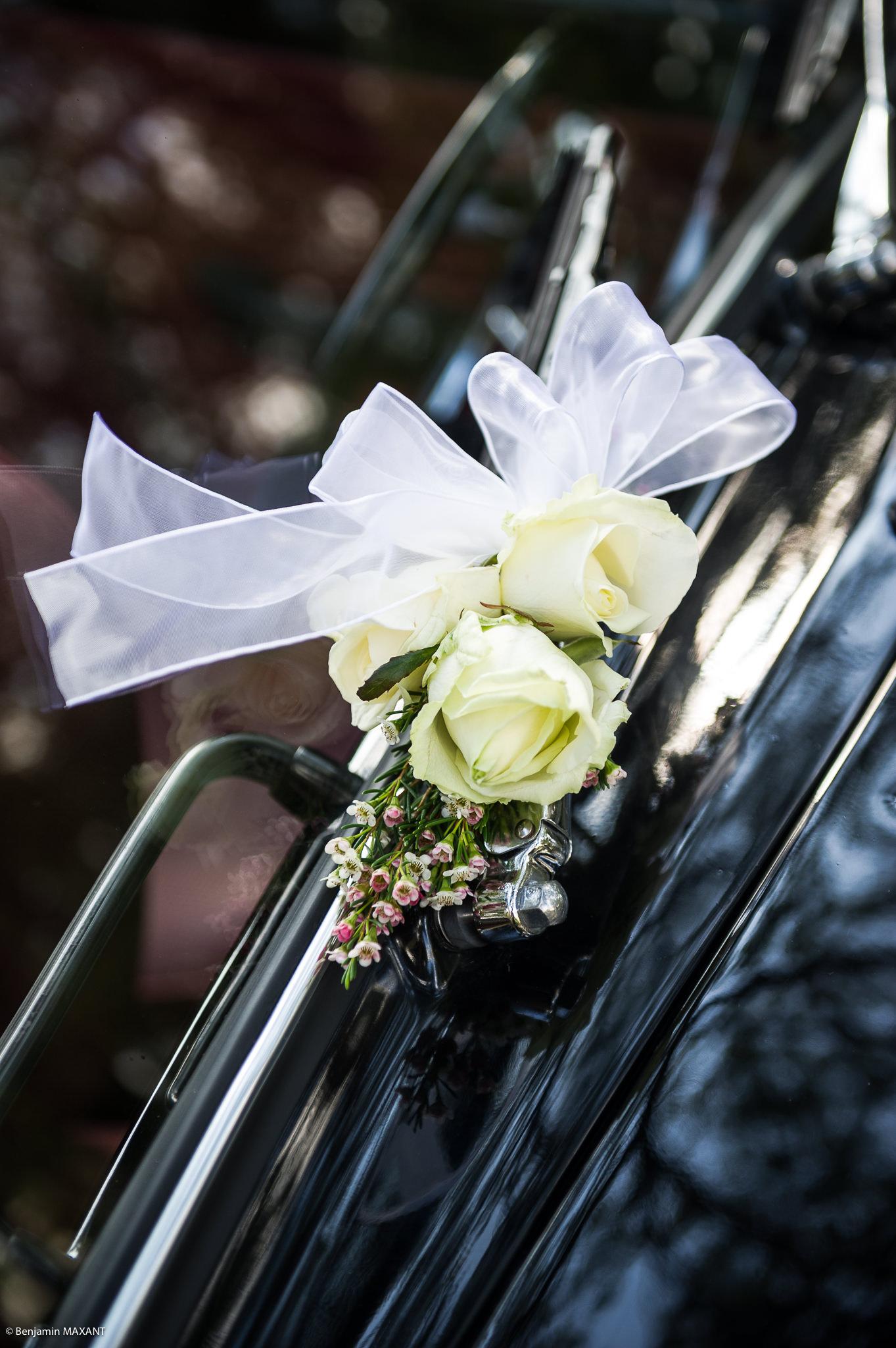 Décoration de la voiture de la mariée