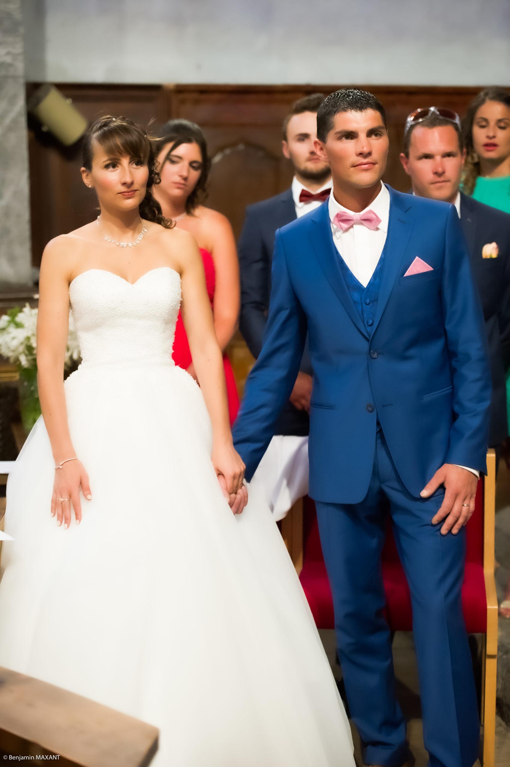 Les mariés sont mariés également à l'église