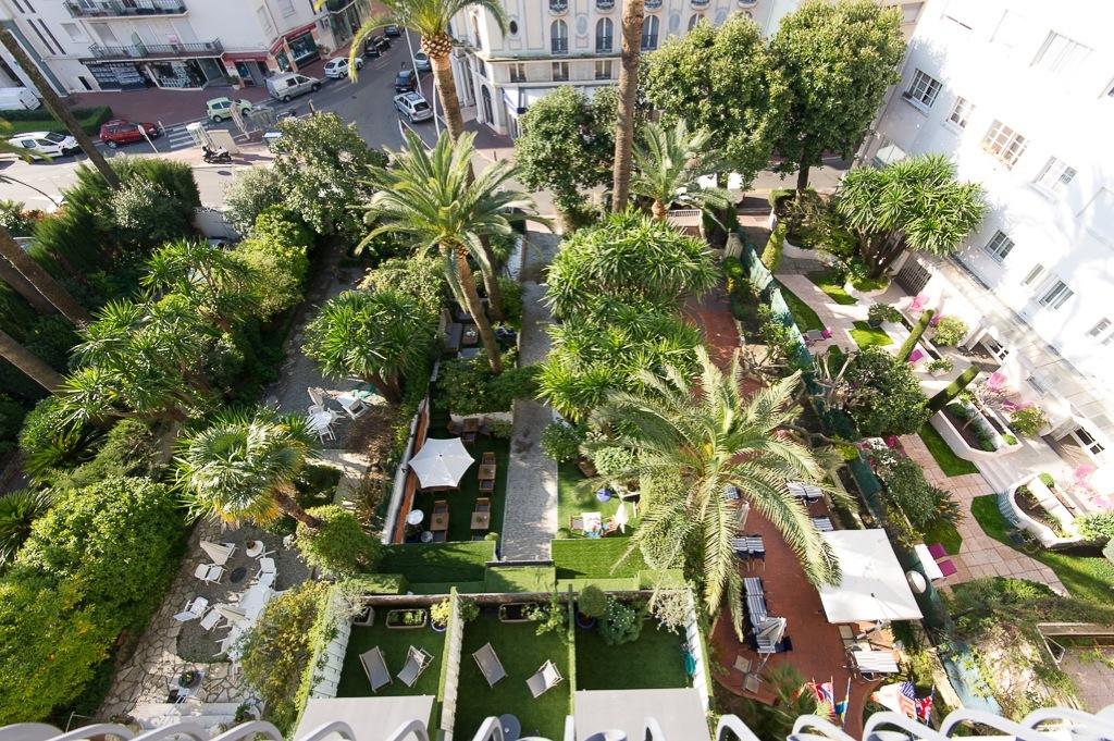 Shooting photos immobilier d'hôtel - jardin à Cannes