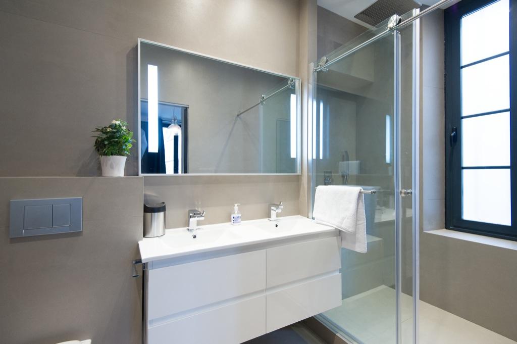 photographe immobilier - shooting photo appartement - salle de bains