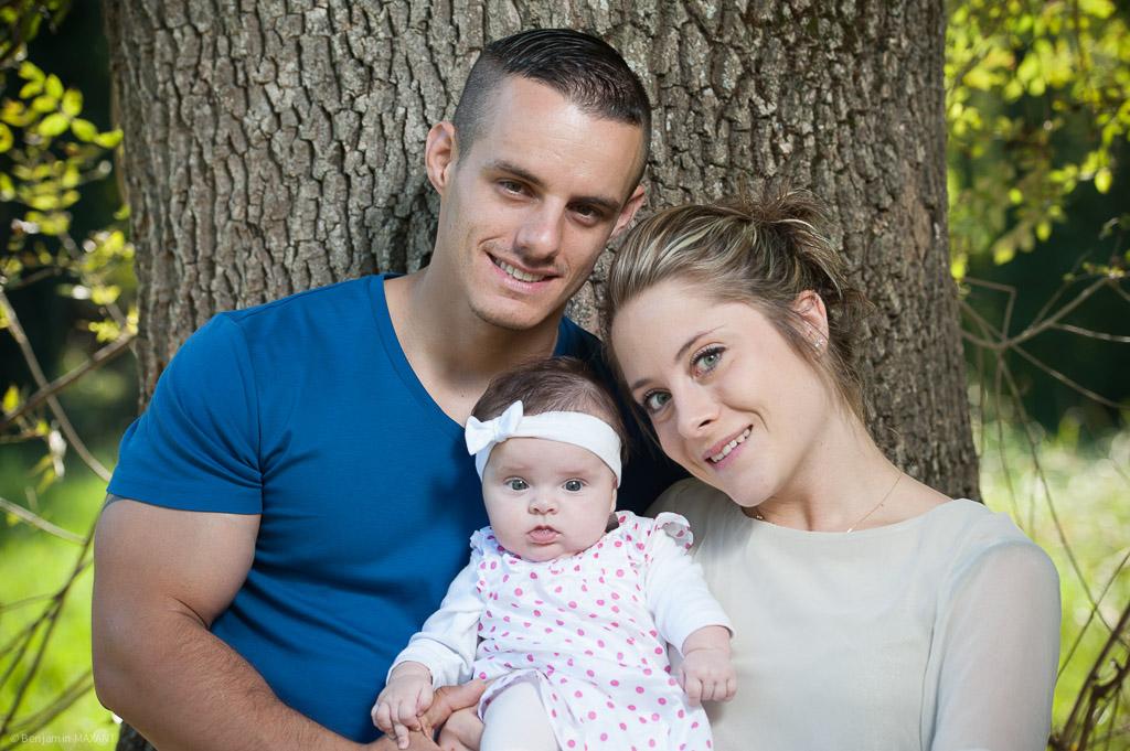 Séance photo famille bébé en forêt