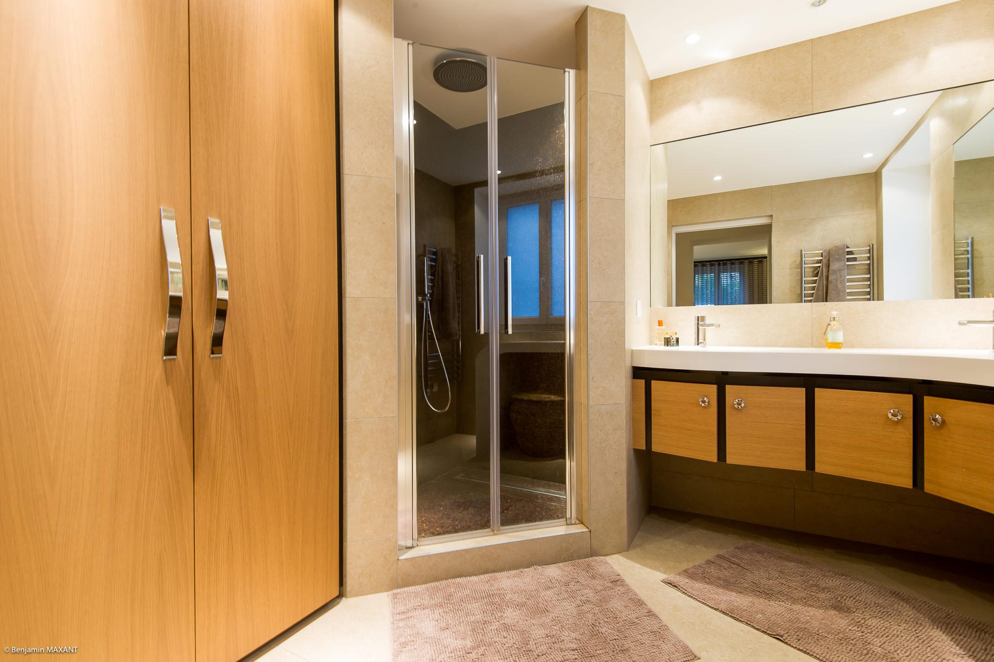 Shooting photo immobilier Côte d'Azur - salle de bain