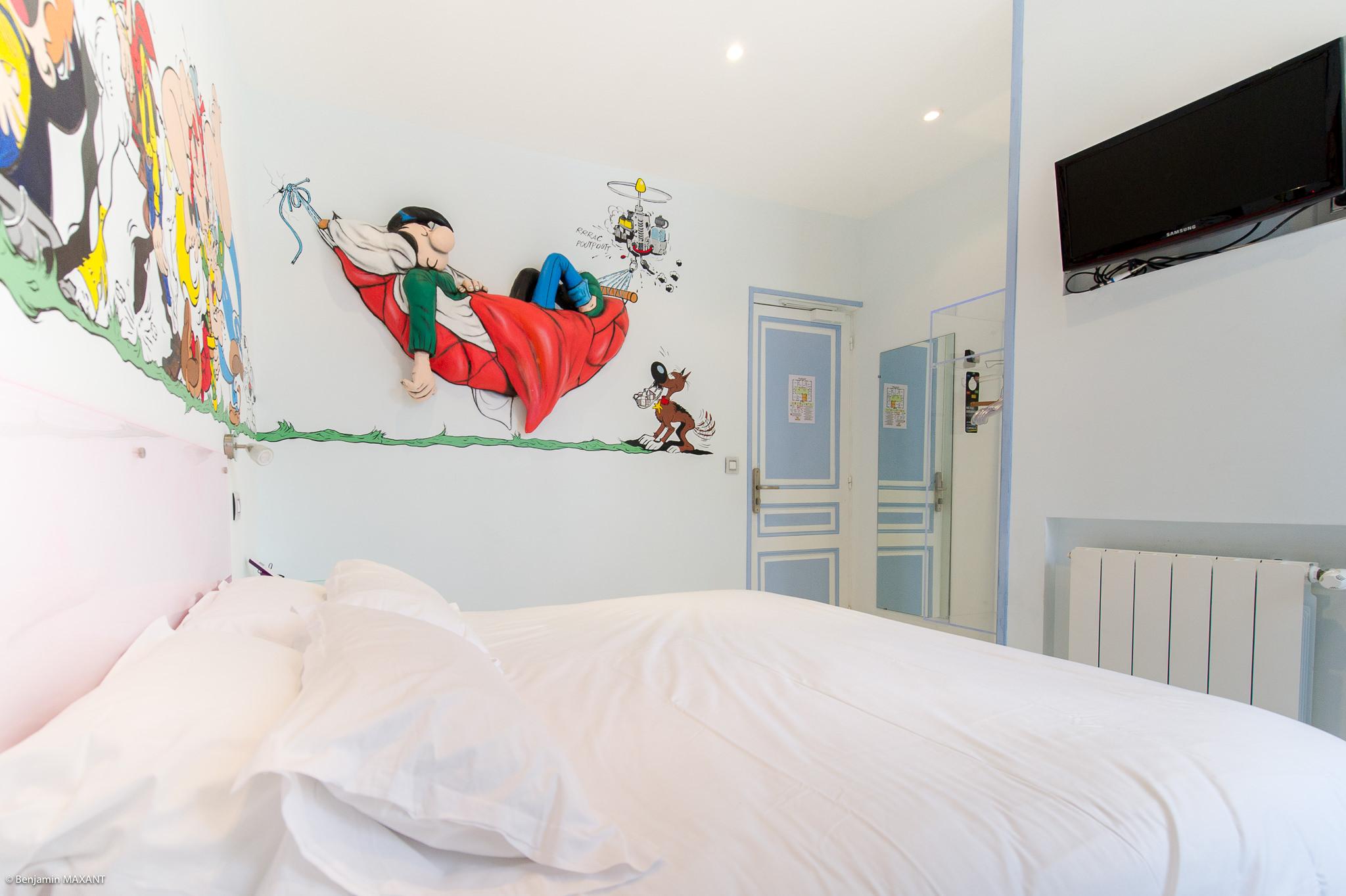 Reportage photo immobilier - Hôtel Idéal - chambre bande dessinée