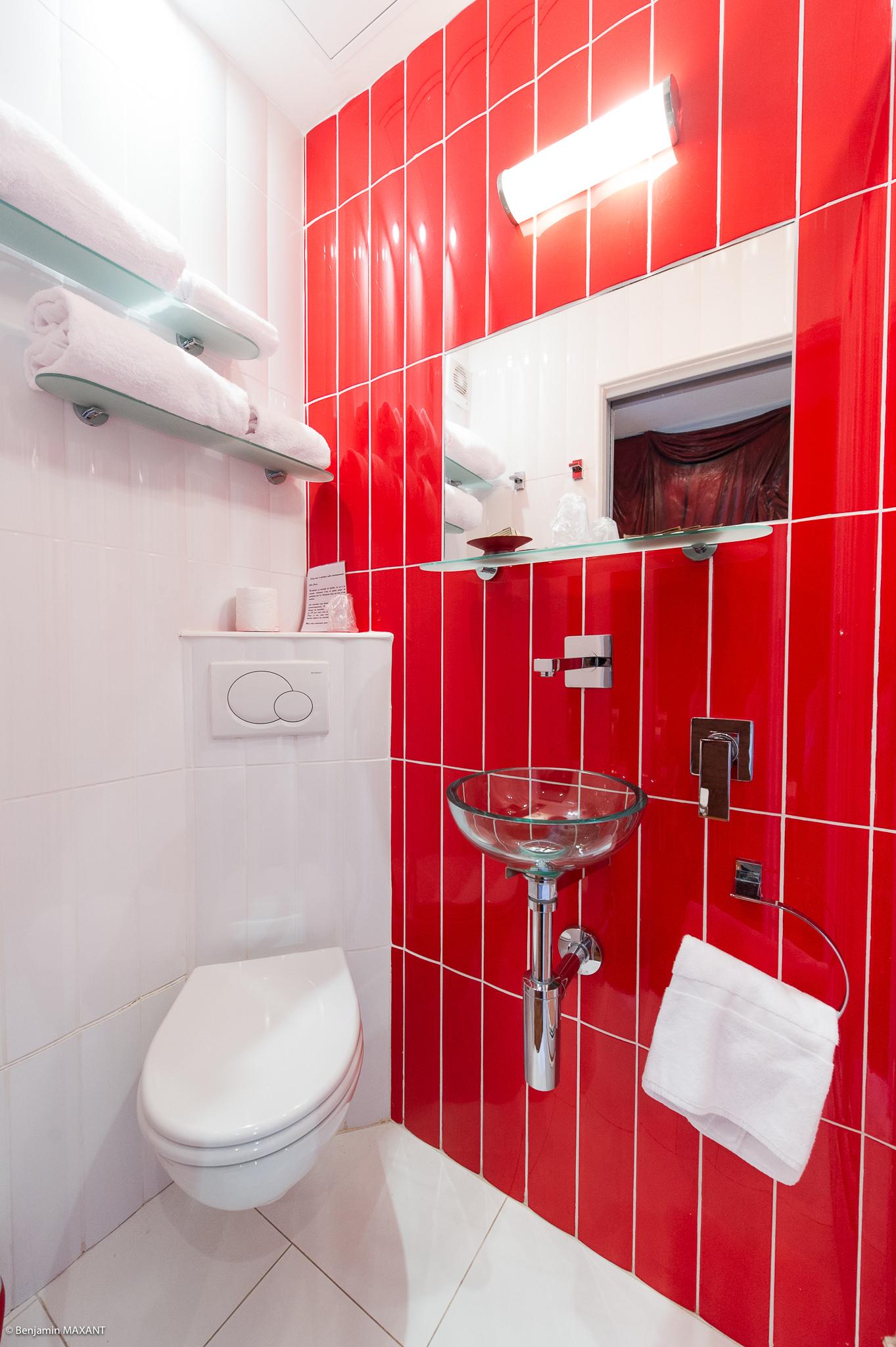 Reportage photo immobilier - Hôtel Idéal - salle de bains chambre comedia del arte