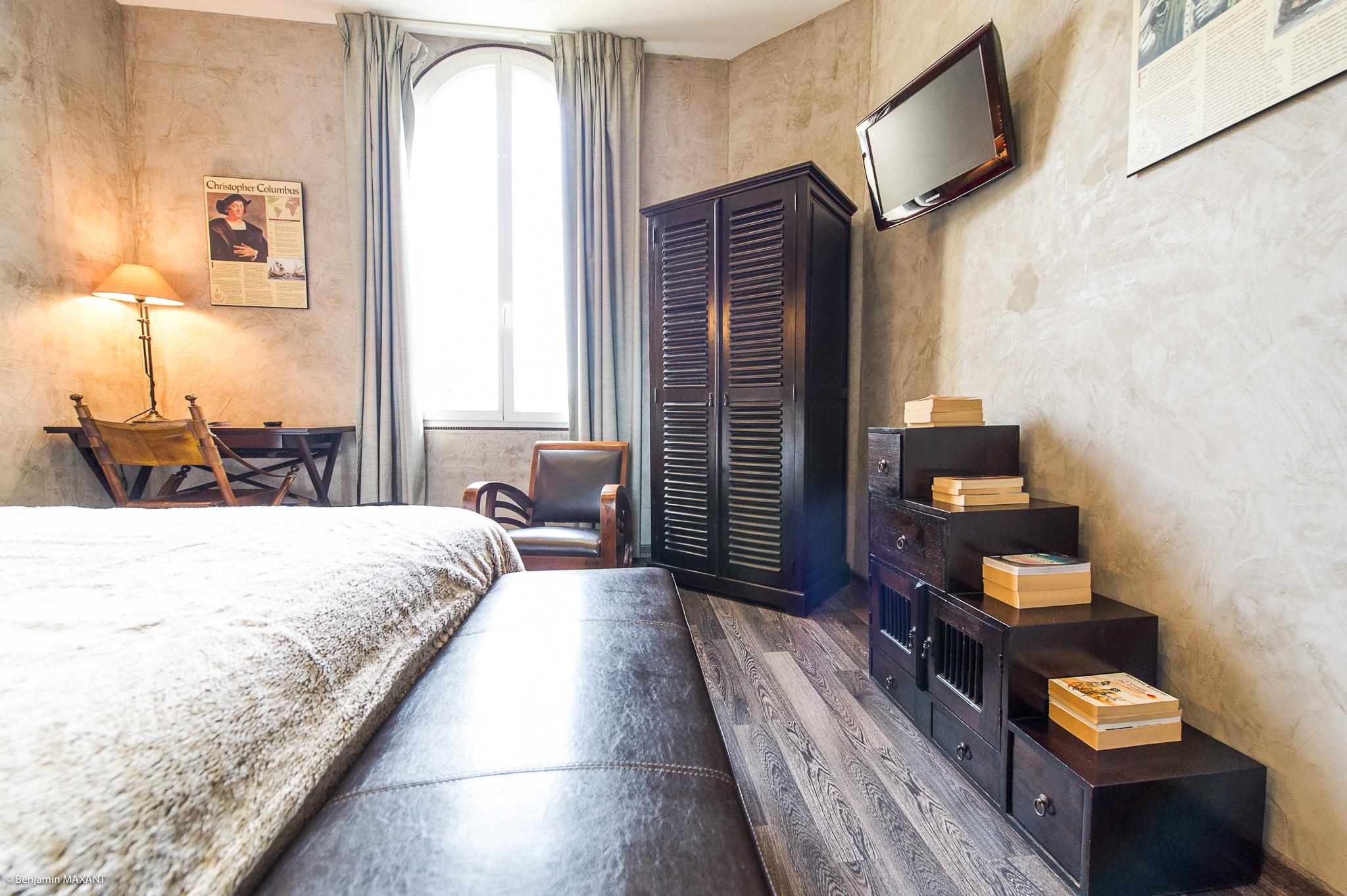 Reportage photo immobilier - Hôtel Idéal - chambre inspiration africaine
