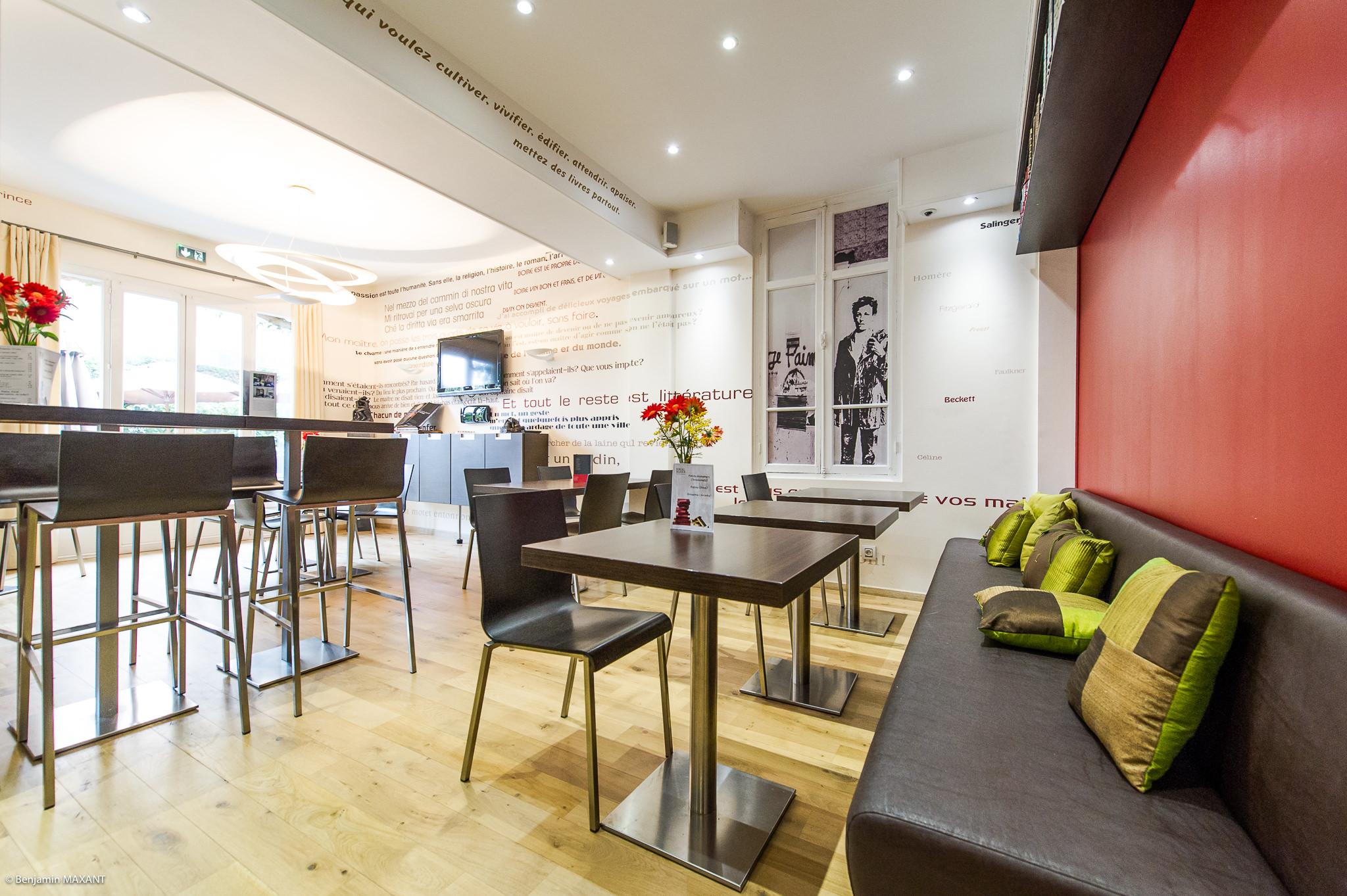 Reportage photo immobilier - Hôtel Idéal - la salle du petit déjeuner