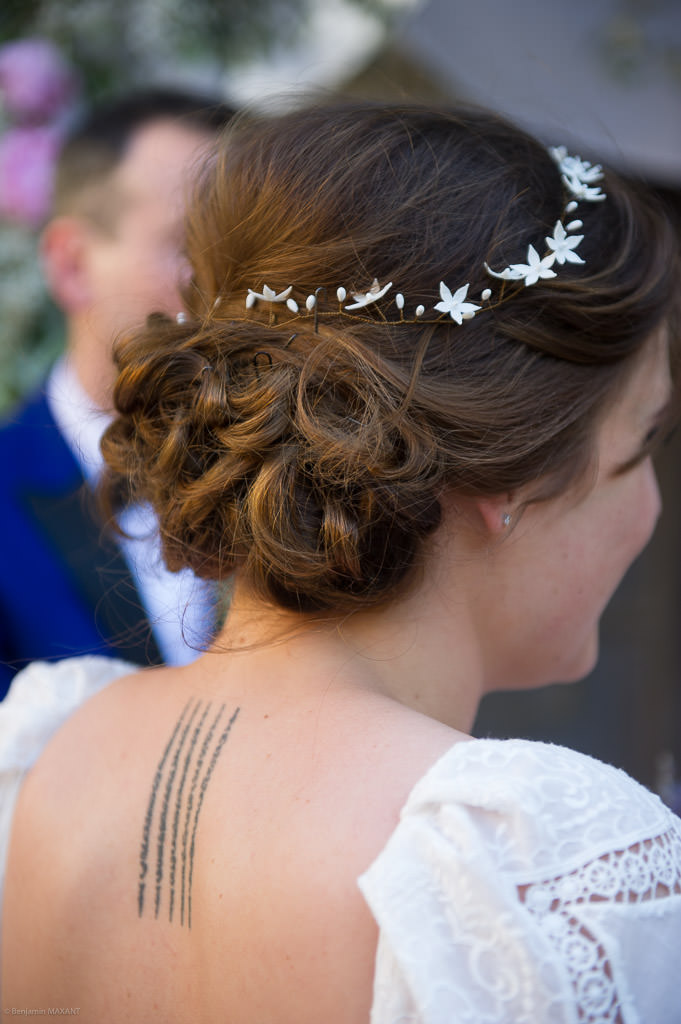 The bride's hairstyle