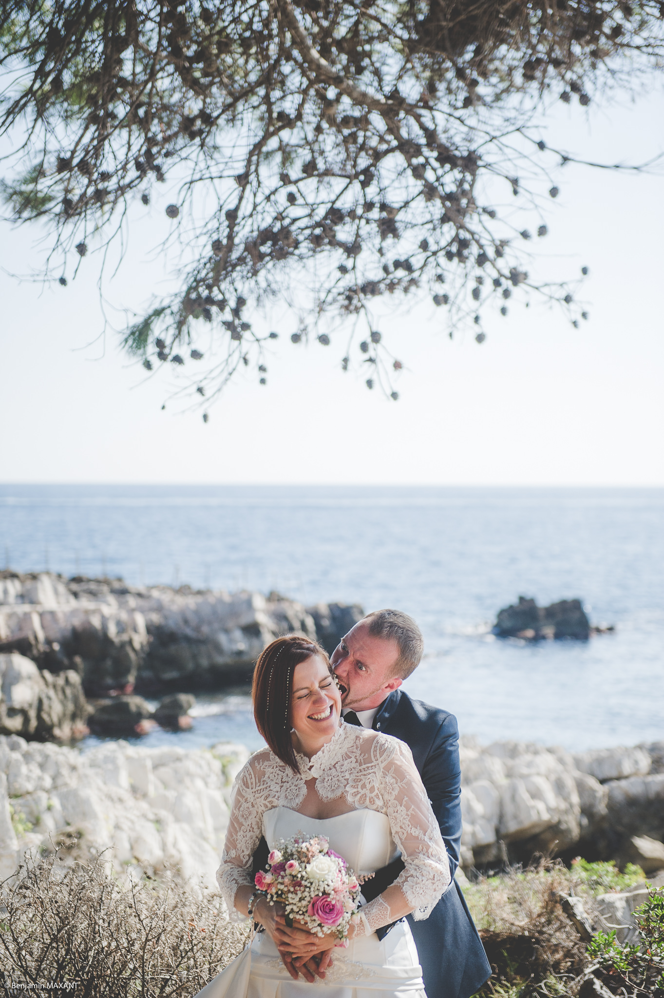 Photo shoot engagement trail ccap of Antibes Pins Parasol