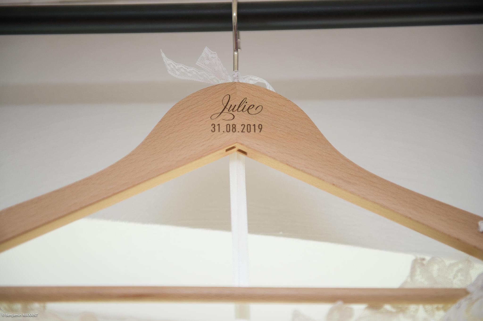 Ceintre de la robe de mariage de Julie