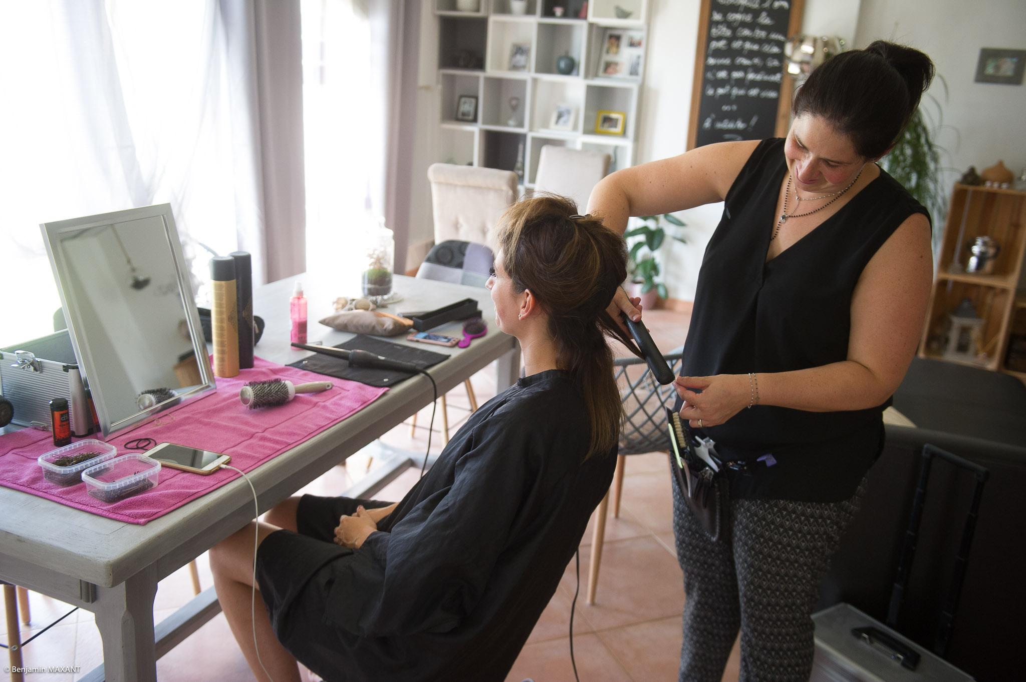 Préparation de Julie la mariée : la coiffure