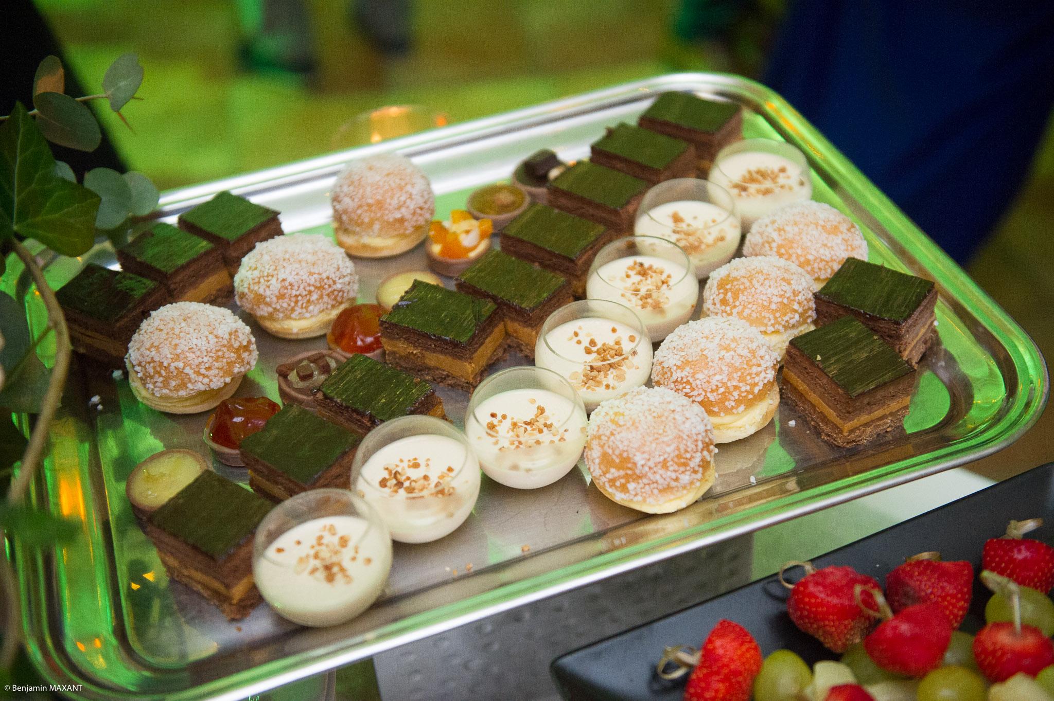 La pièce montée et ses différents desserts