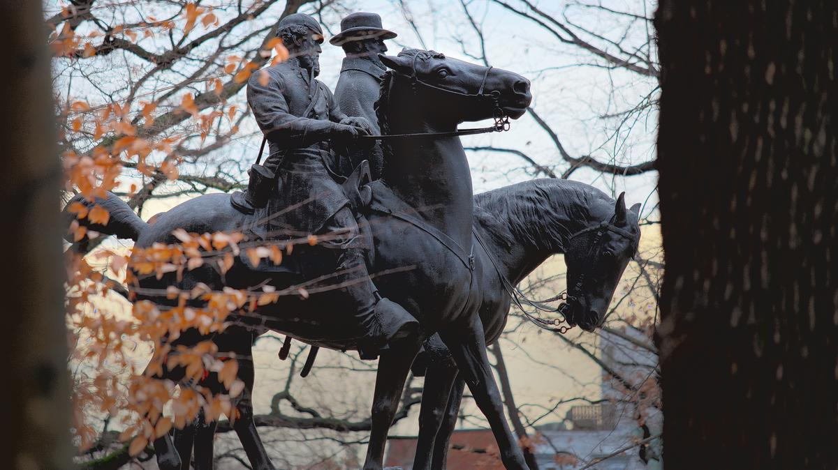 Pugh orders Confederate monuments to come down, seeks funds ...