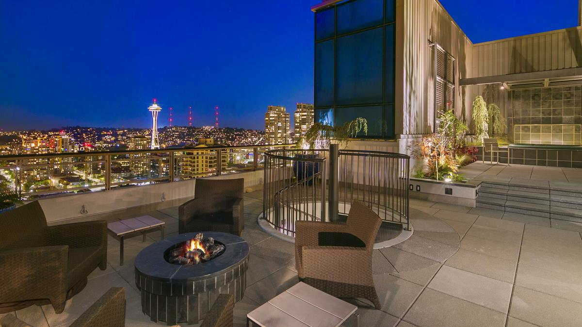 Tom Ellison Lists Luxurious Seattle Penthouse For 6 Million Photos Puget Sound Business Journal