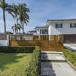 Brazilian race car driver Hélio Castroneves puts Fort Lauderdale home on the market