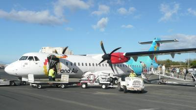 Local investors will acquire Island Air - Pacific Business ...