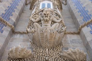 Fulgubbe, fasaden på slott i Portugal