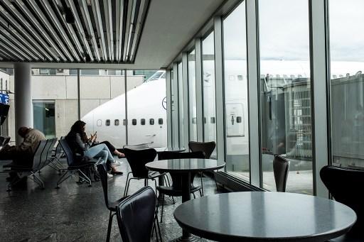 """Hangar i Portugal. Flyg """"direkt"""" in i väntkomsthall"""