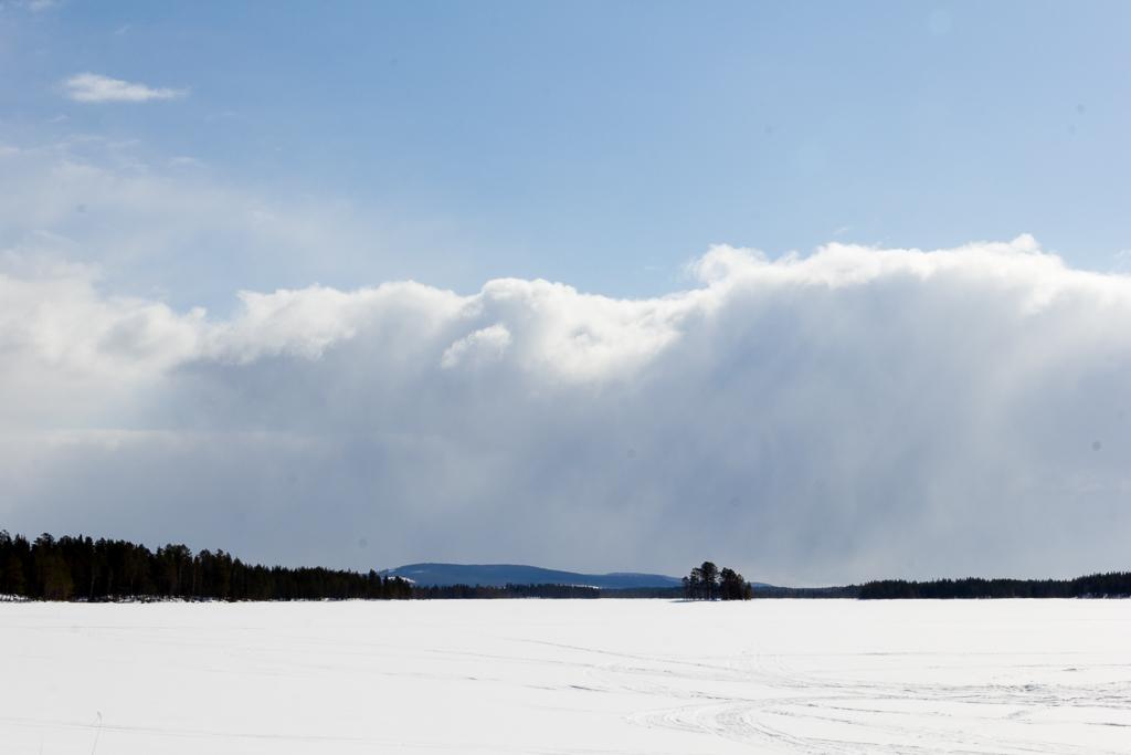 Ute på isen - Malin