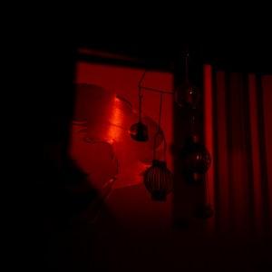 Kvällssolens skuggor skapar sköna linjer och mönster  - av Margareta