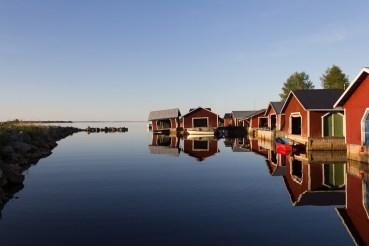 Malin - Vindstilla i Brändöns fiskehamn