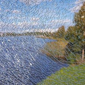 2018-09-13 - Vy genom sprucket glas