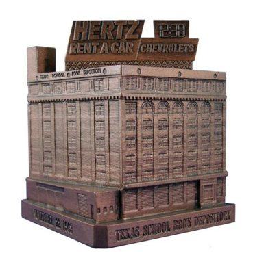 -Ihmgcp41O3S Tjb2Rwbukxi Aaaaaaaaa4M 6U-Wvak3Dpk S1600 Texas-School-Book-Depository-Dallas-Replica-Landmark