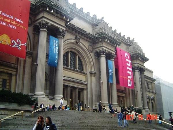 The facade of nyc 39 s metropolitan museum of art has never for Nyc metropolitan museum of art