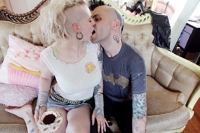Free lesbian scissoring movies