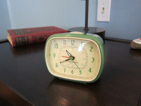 Cute retro alarm clock / Boing Boing
