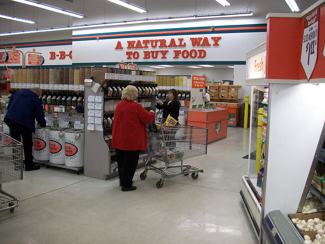 WinCo: worker-owned grocery chain that pays benefits, pensions, living wages -- and has lower prices than WalMart