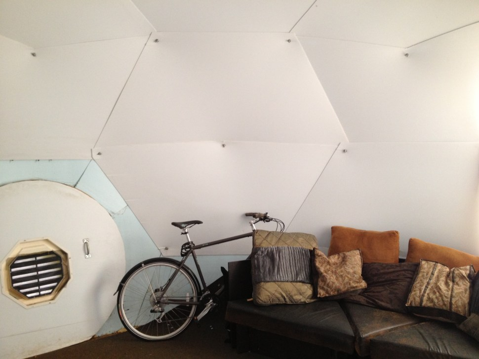 Tiny frameless geodesic home costs only $2100