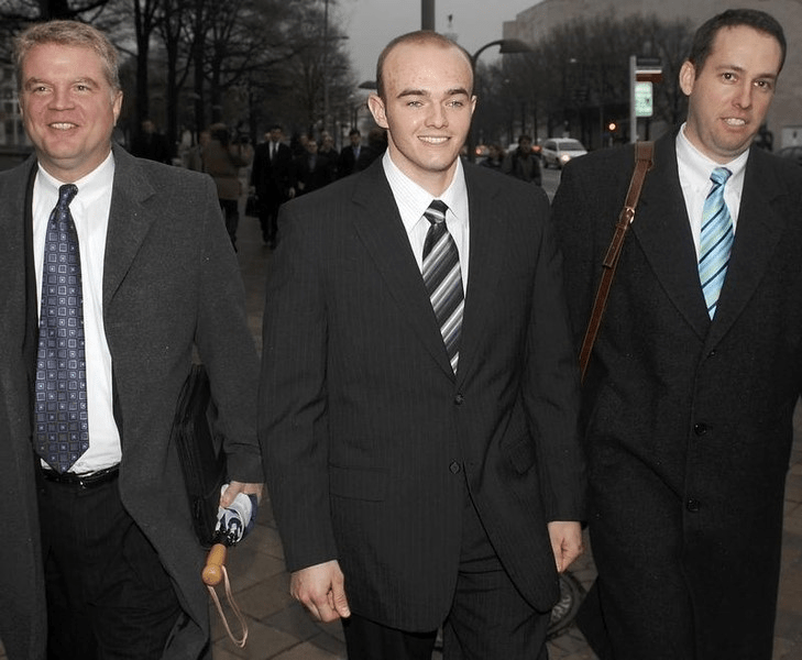 Blackwater Worldwide security guard Nick Slatten (C) and attorneys leave the federal courthouse after being arraigned with 4 fellow Blackwater guards on manslaughter charges for killing unarmed civilians  in a 2007 shooting in Baghdad, in Washington in this January 6, 2009 file photo. (Reuters)