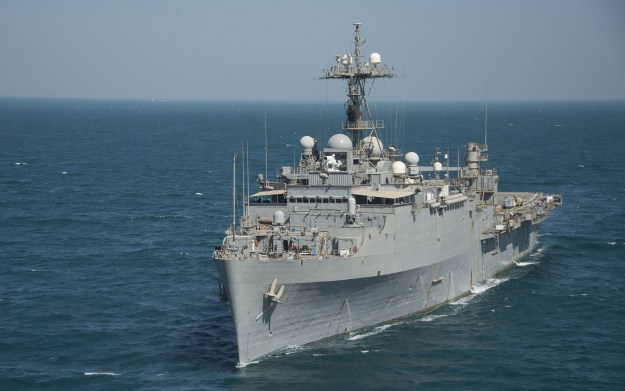 USS Ponce (AFSB(I) 15) transits the Arabian Gulf on Sept. 25, 2014. Photo: US Navy