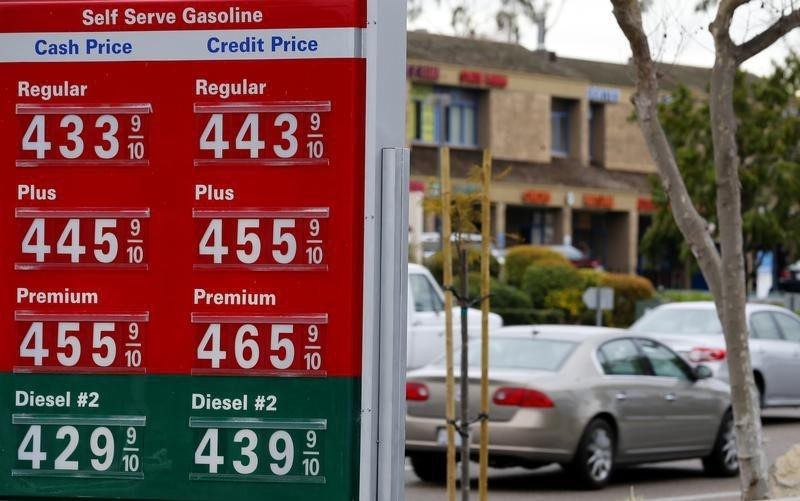 Gasoline prices at a 76 gas station are displayed in Encinitas, California, February 19, 2013.  REUTERS/Mike Blake