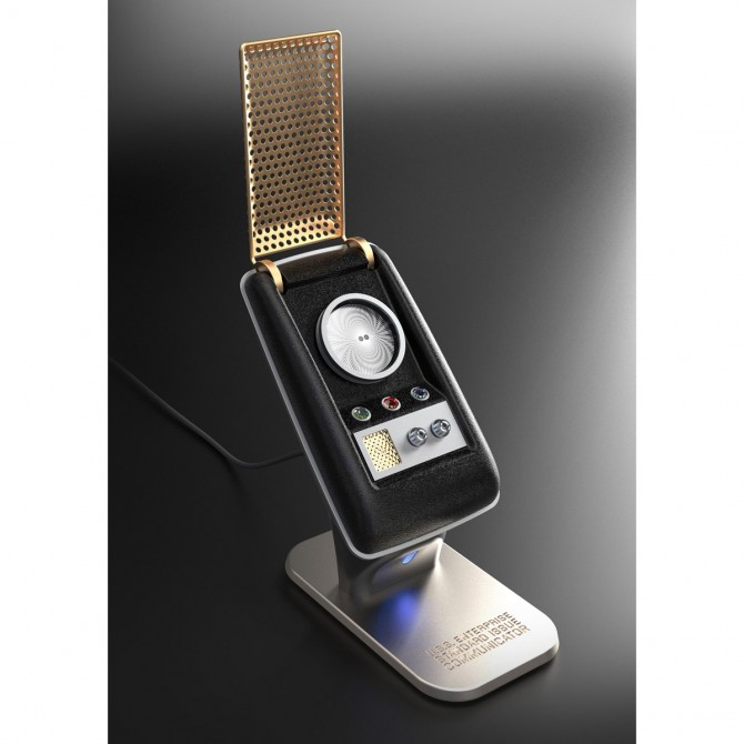star-trek-the-original-series-communicator-bluetooth-handset_670