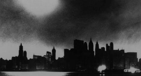 new-york-city-skyline-during-blackout-of-november-9-1965