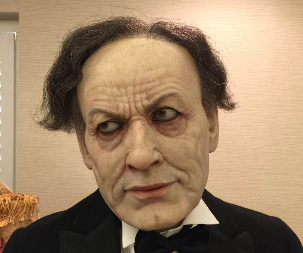 Eerie lifelike sculpture of Harry Houdini / Boing Boing
