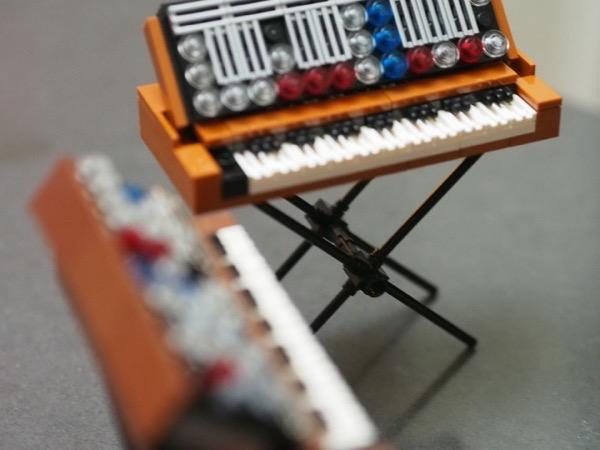 minimoog-lego7