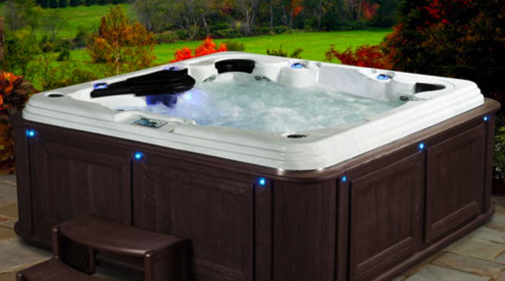 Hot Tub Expert Explains Why You Shouldn U0026 39 T Buy One From A